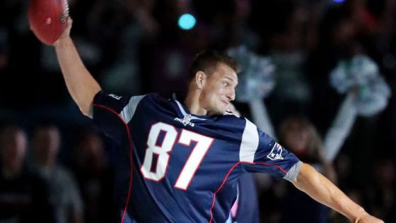 Patriots officially re-issue Rob Gronkowski's number